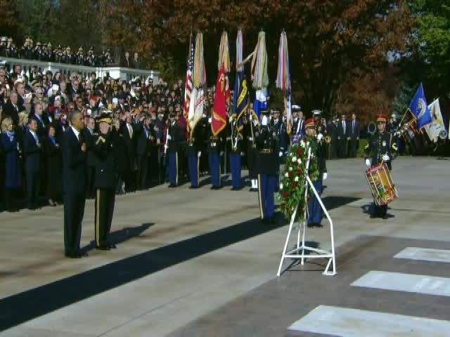 Tomb_of_the_Unknown_Soldier__Taps_1081780000_20131111142321_640_480