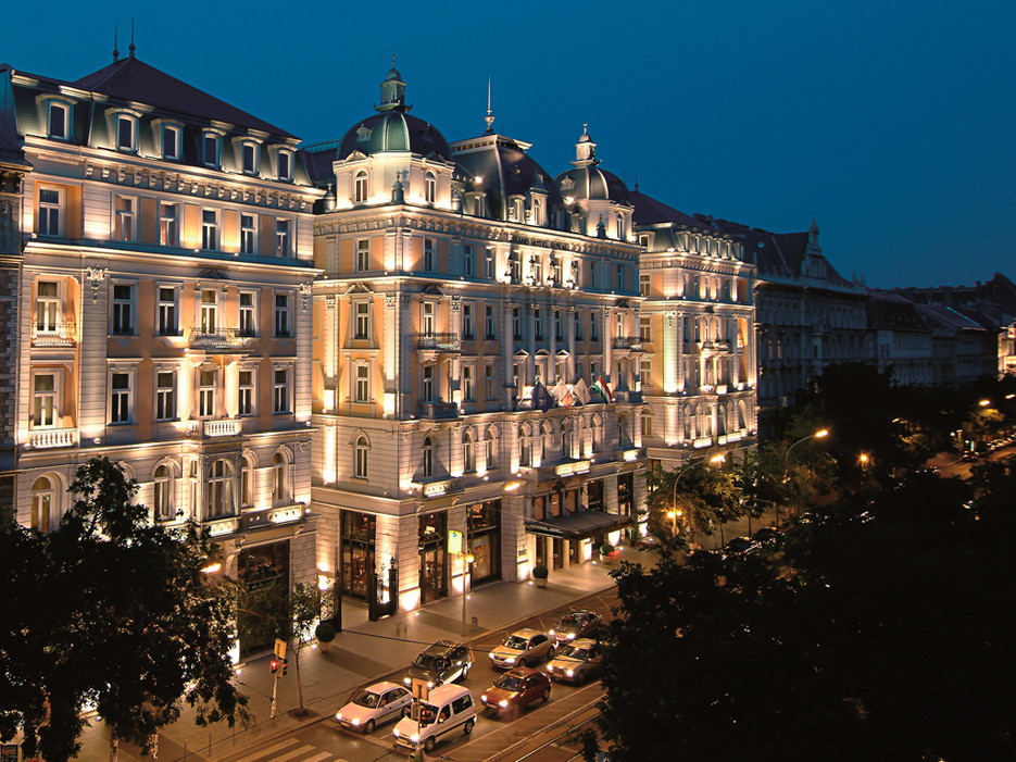 53dabbe16dec627b149fee28_corinthia-grand-hotel-royal-budapest-budapest-hungary-106366-3
