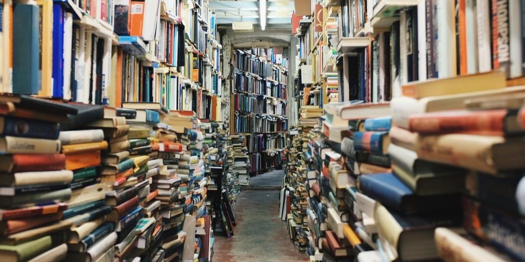 books-768426_1280-1280x640